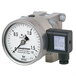 Differential pressure gauge with output signal